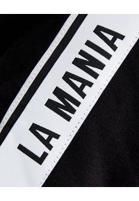 LA MANIA - Czarna bluza o asymetrycznym kroju Jari. Kolor: czarny. Materiał: dresówka, polar. Wzór: aplikacja #4