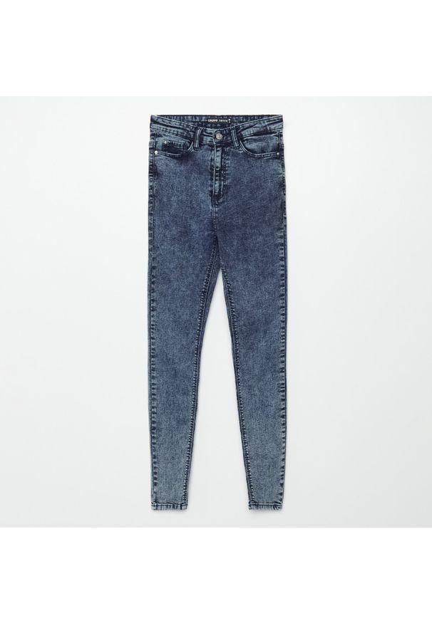 Cropp - Jeansy high waist - Granatowy. Stan: podwyższony. Kolor: niebieski