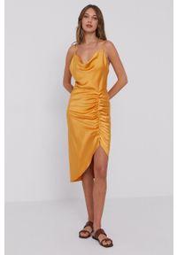 Samsoe & Samsoe - Samsoe Samsoe - Sukienka F21200139. Okazja: na co dzień. Kolor: pomarańczowy. Materiał: tkanina. Długość rękawa: na ramiączkach. Wzór: gładki. Typ sukienki: proste. Styl: casual #4