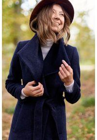 Marie Zélie - Płaszcz wełniany Luna granatowy. Kolor: niebieski. Materiał: wełna. Długość rękawa: długi rękaw. Długość: długie. Sezon: zima