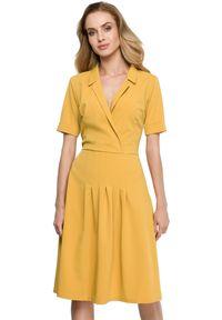 Style - Sukienka z żakietowym wykładanym kołnierzem. Okazja: do pracy, na co dzień. Materiał: elastan, materiał. Typ sukienki: dopasowane, rozkloszowane. Styl: casual
