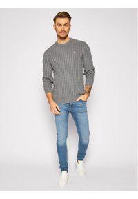 Tommy Jeans Sweter Essential Cable DM0DM08807 Szary Regular Fit. Kolor: szary