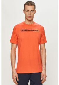 Under Armour - T-shirt. Okazja: na co dzień. Kolor: pomarańczowy. Materiał: dzianina. Wzór: nadruk. Styl: casual