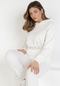 Born2be - Biały 2-Częściowy Komplet Dresowy Pixishis. Kolor: biały. Materiał: dresówka