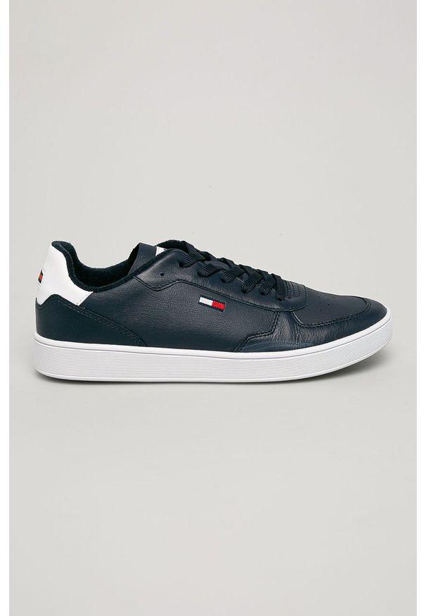 Niebieskie sneakersy Tommy Jeans na sznurówki, z cholewką