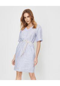 PESERICO - Lniana sukienka z wiązaniem. Kolor: niebieski. Materiał: len. Wzór: prążki. Sezon: lato. Typ sukienki: oversize. Styl: elegancki. Długość: mini