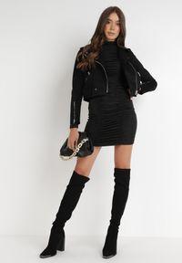 Born2be - Czarna Sukienka Lastheina. Kolor: czarny. Materiał: dzianina. Długość rękawa: długi rękaw. Wzór: jednolity, gładki. Styl: klasyczny. Długość: mini