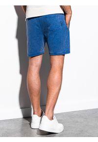 Ombre Clothing - Krótkie spodenki męskie dresowe W223 - niebieskie - XL. Kolor: niebieski. Materiał: dresówka. Długość: krótkie. Wzór: aplikacja. Styl: klasyczny