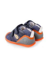 Niebieskie buty sportowe Biomecanics na rzepy, z okrągłym noskiem