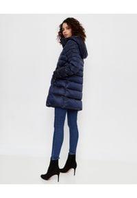Hetrego - HETREGO - Granatowy płaszcz puchowy Doroty. Kolor: niebieski. Materiał: puch. Długość: długie. Sezon: zima