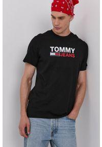 Tommy Jeans - T-shirt bawełniany. Kolor: czarny. Materiał: bawełna. Wzór: nadruk