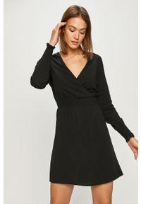only - Only - Sukienka. Kolor: czarny. Materiał: tkanina. Długość rękawa: długi rękaw. Typ sukienki: rozkloszowane