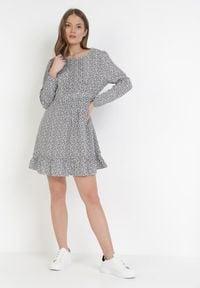 Born2be - Biała Sukienka Evithophis. Kolor: biały. Długość rękawa: długi rękaw. Wzór: aplikacja. Styl: elegancki. Długość: mini