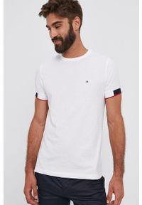 TOMMY HILFIGER - Tommy Hilfiger - T-shirt bawełniany. Okazja: na co dzień. Kolor: biały. Materiał: bawełna. Wzór: gładki. Styl: casual