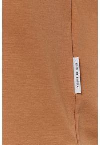 TIGER OF SWEDEN - Tiger Of Sweden - T-shirt. Okazja: na co dzień. Kolor: brązowy. Materiał: dzianina. Wzór: gładki. Styl: casual