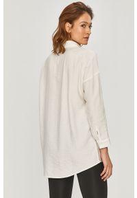 Biała koszula Answear Lab na co dzień, długa, z klasycznym kołnierzykiem, wakacyjna