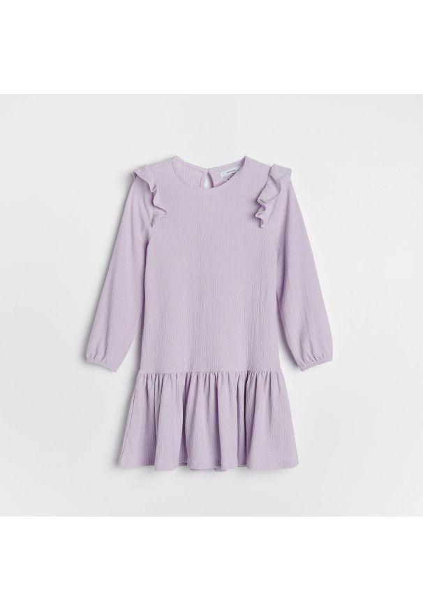 Reserved - Sukienka z falbaną - Fioletowy. Kolor: fioletowy