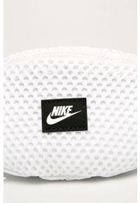 Biała nerka Nike Sportswear z aplikacjami