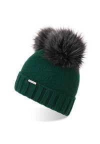 BRODRENE - Czapka damska zimowa z polarem i pomponami Brodrene CZ22 zielona. Kolor: zielony. Materiał: materiał. Sezon: zima. Styl: elegancki