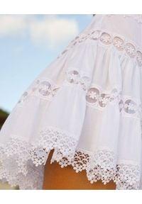 CHARO RUIZ IBIZA - Biała spódnica z koronką Greta. Kolor: biały. Materiał: koronka. Wzór: koronka