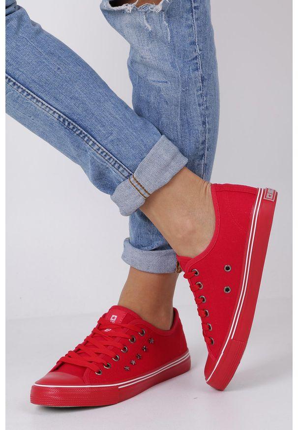 Big-Star - czerwone trampki sznurowane z nitami big star dd274614. Kolor: czerwony. Materiał: materiał