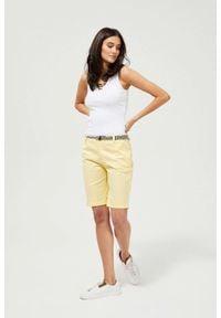 MOODO - Szorty z paskiem. Materiał: jeans, bawełna, elastan. Wzór: gładki