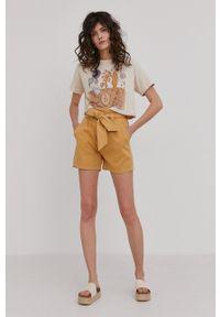 Answear Lab - Szorty. Okazja: na co dzień. Kolor: żółty. Materiał: tkanina. Wzór: gładki. Styl: wakacyjny