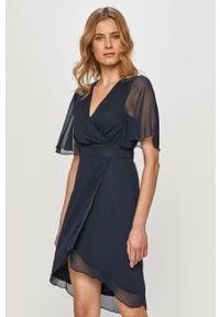 Niebieska sukienka Vila z krótkim rękawem, prosta, na co dzień