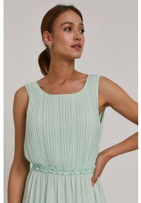 Jacqueline de Yong - Sukienka. Okazja: na co dzień. Kolor: zielony. Materiał: tkanina. Wzór: gładki. Typ sukienki: proste. Styl: casual