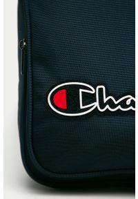 Niebieski plecak Champion z aplikacjami