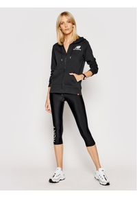 New Balance Bluza Essentials WJ03530 Czarny Relaxed Fit. Kolor: czarny
