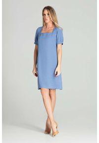 Niebieska sukienka wizytowa Figl prosta, z kwadratowym dekoltem