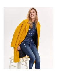 Żółty płaszcz TOP SECRET na zimę, w kolorowe wzory, do kolan