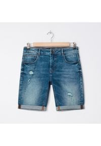 House - Jeansowe szorty z przetarciami - Niebieski. Kolor: niebieski. Materiał: jeans