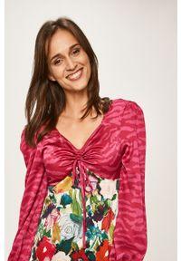 Wielokolorowa sukienka Glamorous trapezowa, midi