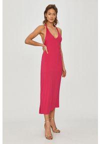 Różowa sukienka Silvian Heach rozkloszowana, na ramiączkach, gładkie #5