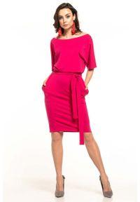 Tessita - Fuksja Dzianinowa Sukienka z Kimonowym Krótkim Rękawem. Kolor: różowy. Materiał: dzianina. Długość rękawa: krótki rękaw
