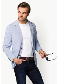 Lancerto - Marynarka Błękitna Benicia. Okazja: na randkę. Kolor: niebieski. Materiał: bawełna, jeans, wiskoza, elastan, poliester. Długość: krótkie. Wzór: prążki. Styl: elegancki