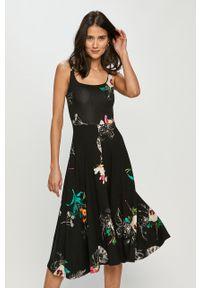 Czarna sukienka Desigual prosta, w kwiaty, casualowa