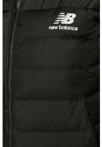 Czarna kurtka New Balance z kapturem