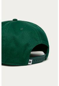 Zielona czapka z daszkiem DC gładkie