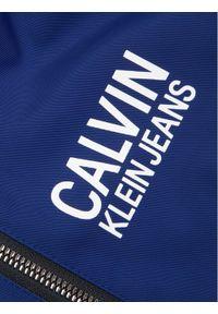 Calvin Klein Jeans Kurtka puchowa Stamp Logo IB0IB00375 Granatowy Regular Fit. Kolor: niebieski. Materiał: puch #4