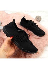 Czarne buty sportowe McKeylor w ażurowe wzory
