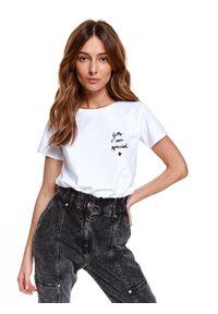 TOP SECRET - T-shirt z nadrukiem. Kolor: biały. Materiał: tkanina. Długość rękawa: krótki rękaw. Długość: krótkie. Wzór: nadruk. Sezon: wiosna