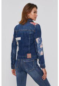 Desigual - Kurtka jeansowa. Okazja: na co dzień. Kolor: niebieski. Materiał: jeans. Styl: casual