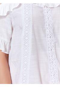 Biała bluzka TOP SECRET casualowa, w koronkowe wzory, na co dzień