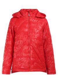 Born2be - Czerwona Kurtka Ieroya. Okazja: na co dzień. Kolor: czerwony. Materiał: tkanina. Długość: długie. Wzór: napisy, aplikacja, nadruk. Styl: casual
