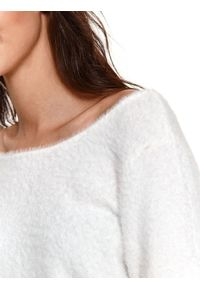 Biały sweter TOP SECRET