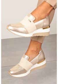 Beżowe buty sportowe Kati na co dzień, bez zapięcia, trekkingowe, z cholewką