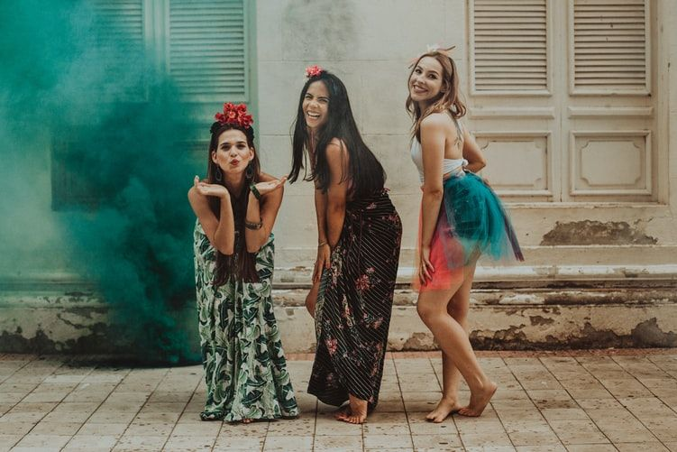 Kroje sukienek – odkryj modne fasony dopasowane do Twojej sylwetki